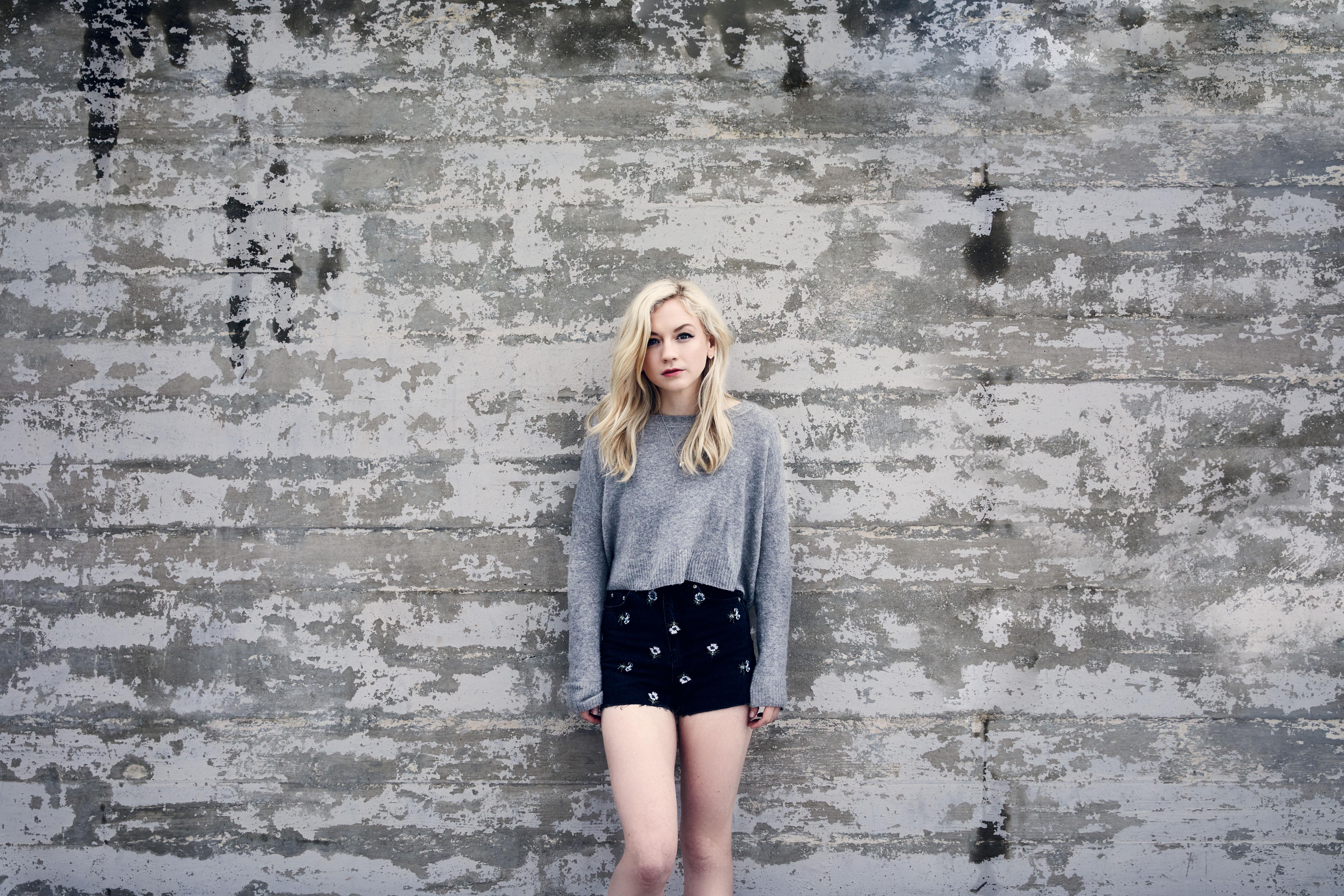 Emily Kinney 5k Retina Ultra Fondo De Pantalla Hd Fondo De