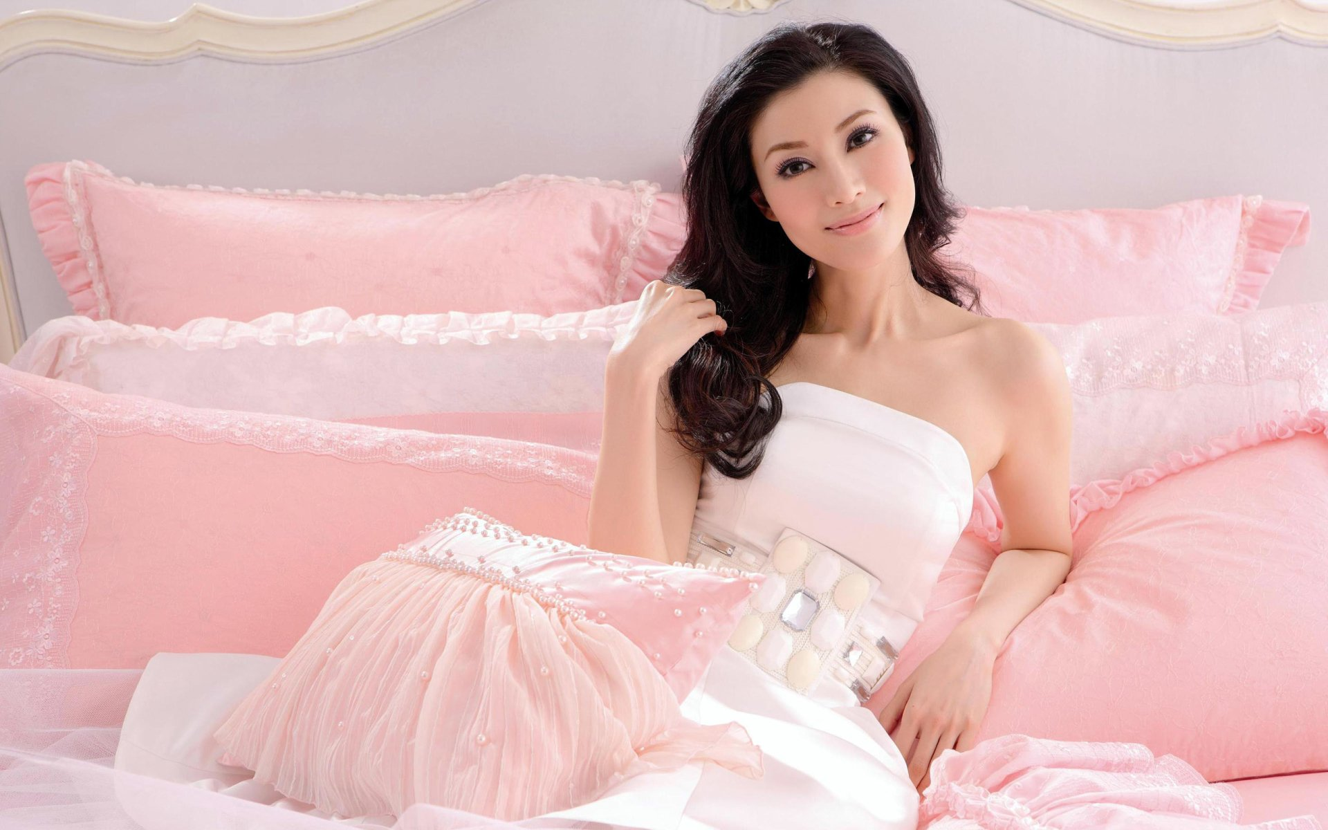 Vrouwen - Ly Gia Han  Wallpaper