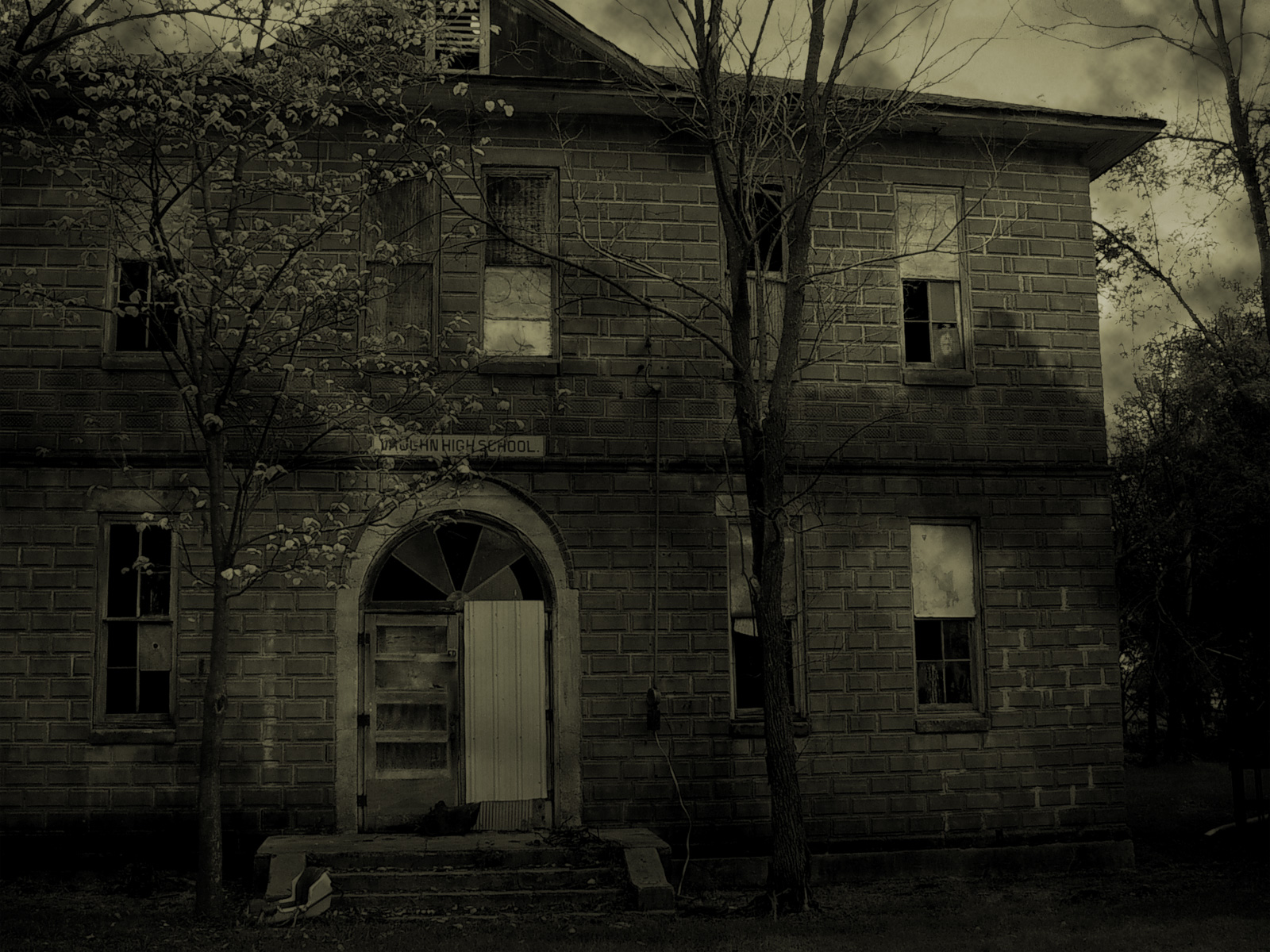 Haunted house computer wallpapers desktop backgrounds for Wallpaper for house wall