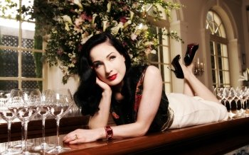 Beroemdheden - Dita Von Teese Wallpapers and Backgrounds ID : 113212