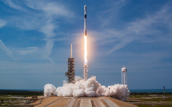 Technology SpaceX Rocket Launching Pad Falcon 9 HD Wallpaper | Background Image