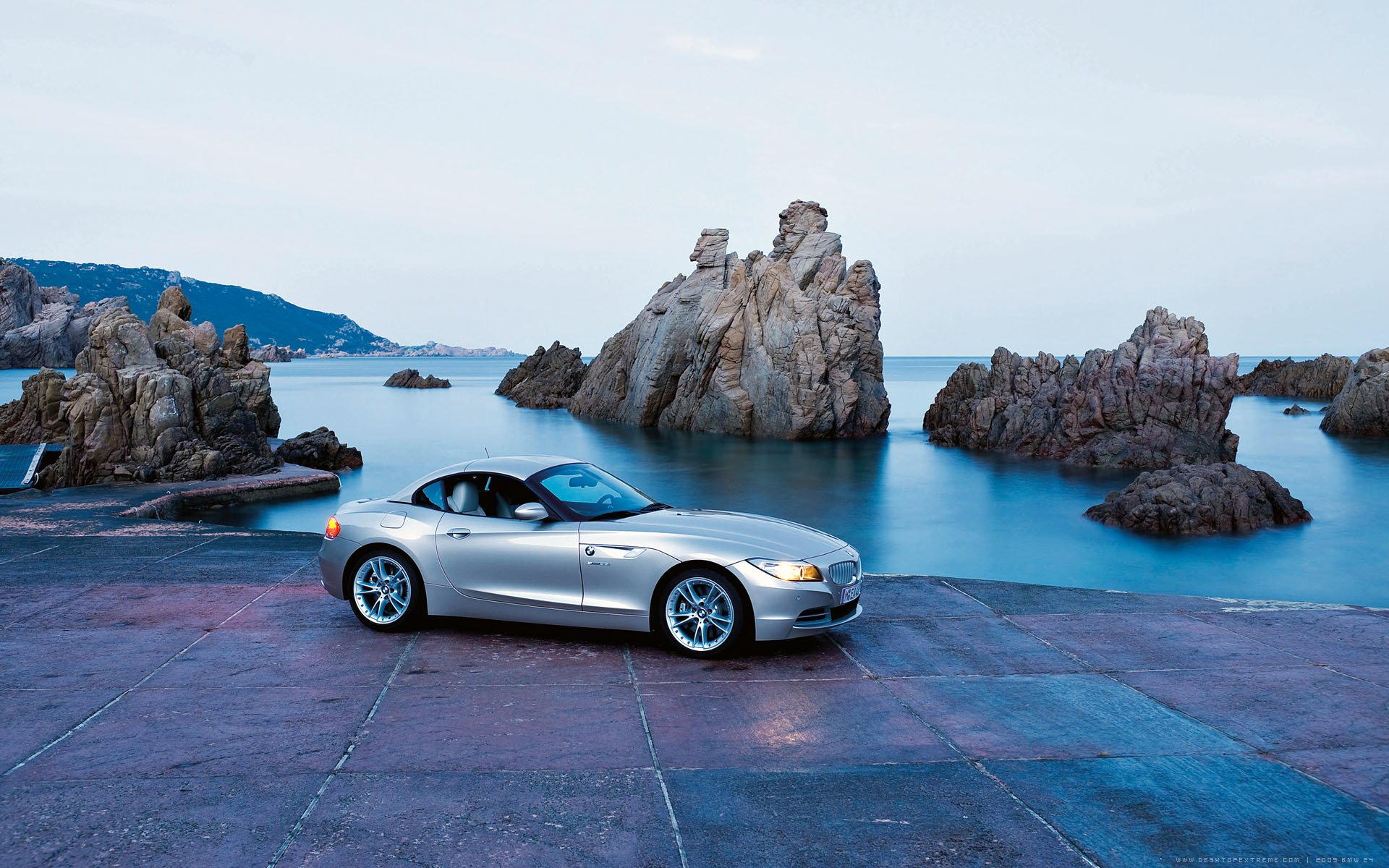 Vehicles - BMW  Car Vehicle Silver Bmw Roadster Sport Car Wallpaper