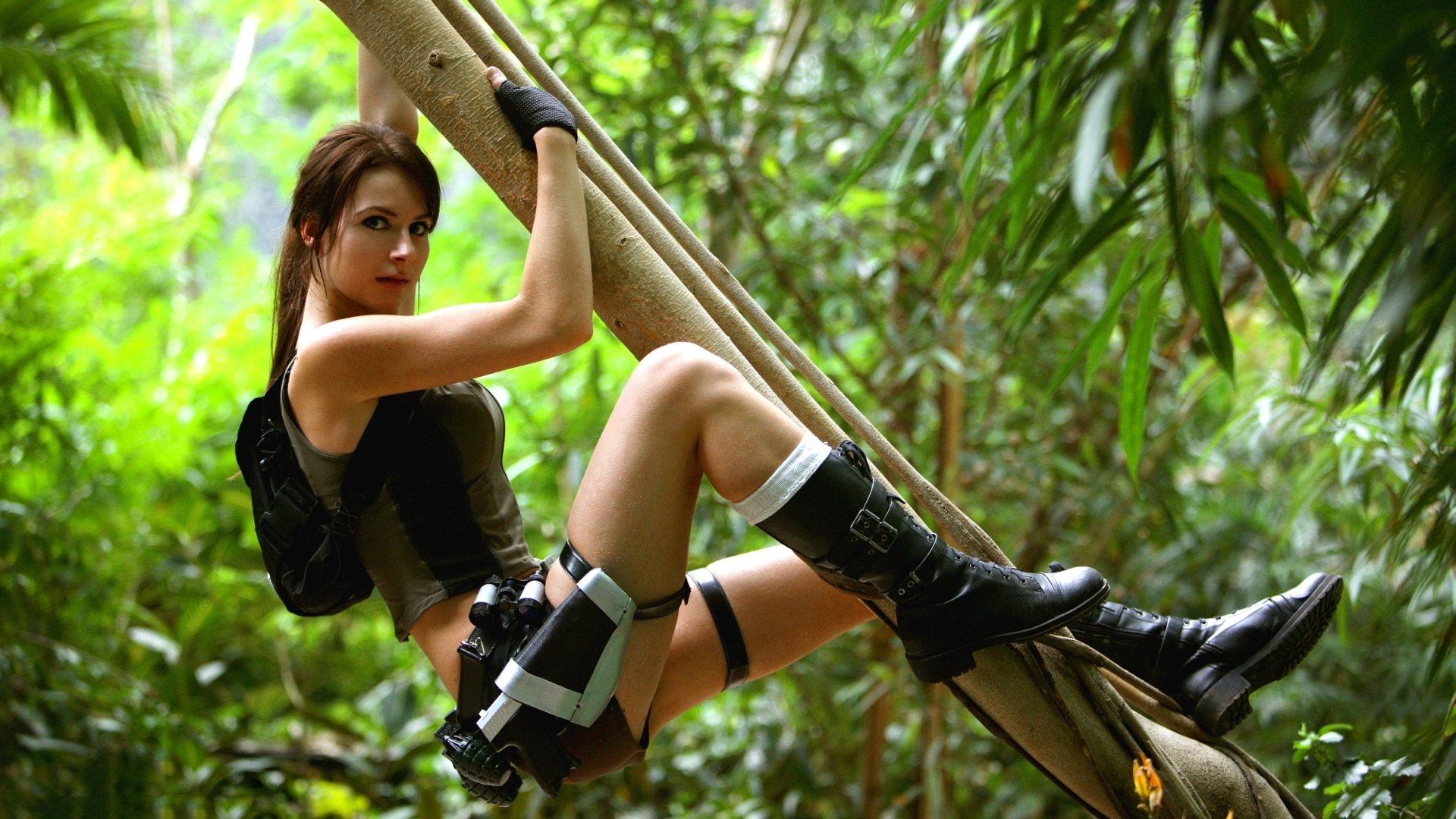 Women - Model  Lara Croft Wallpaper