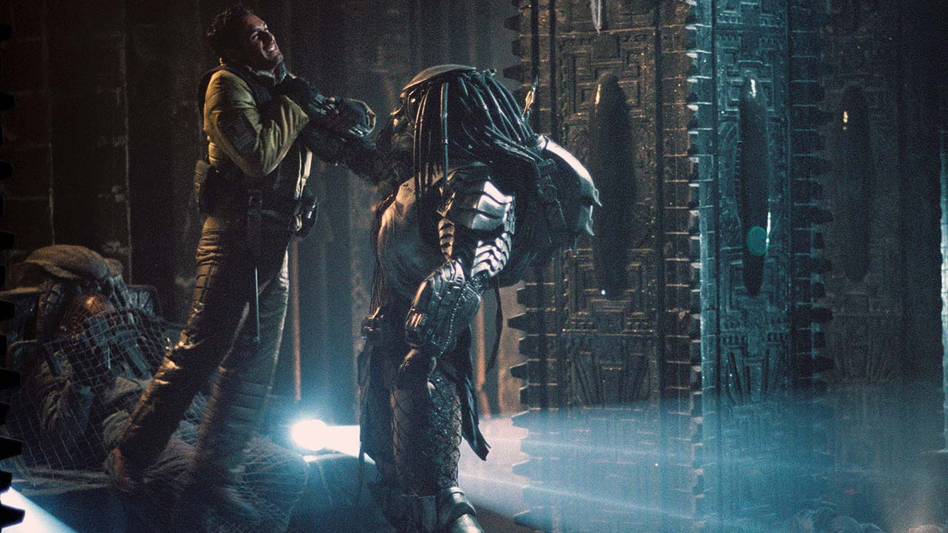 AVP  Alien Vs  Predato...