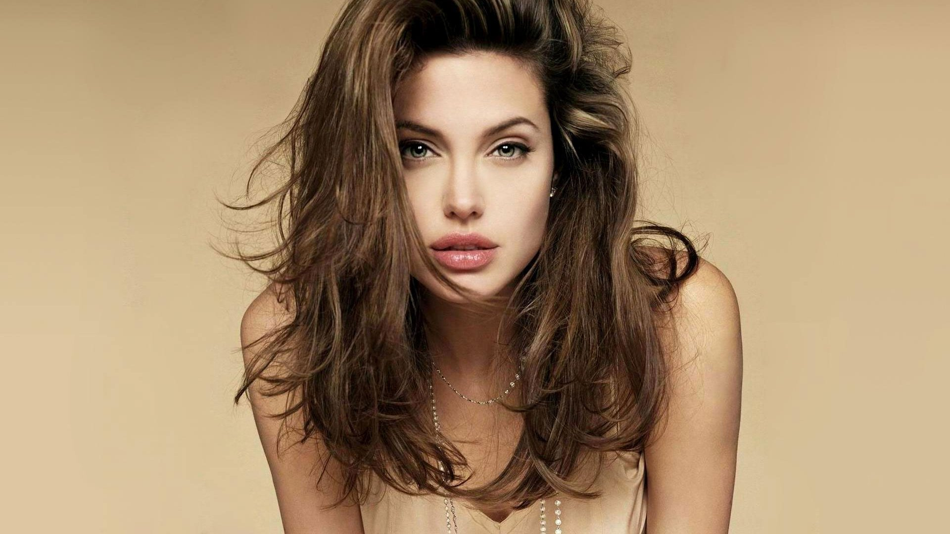 Angelina Jolie Nua 464 angelina jolie hd wallpapers | background images