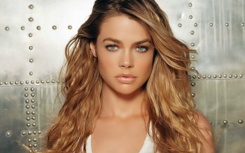 Celebrity - Denise Richards Wallpapers and Backgrounds ID : 154002