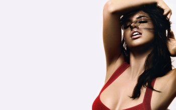 Celebrity - Adriana Lima Wallpapers and Backgrounds ID : 162380