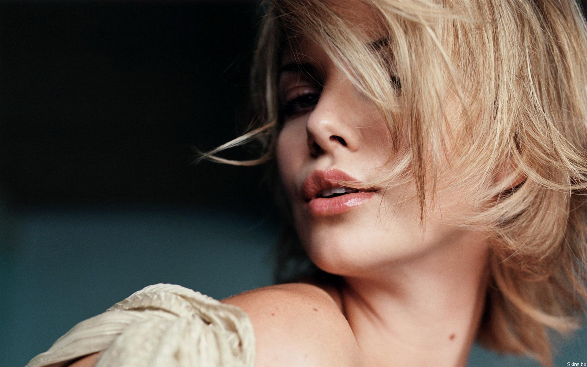 Charlize Theron Wallpapers ID163122