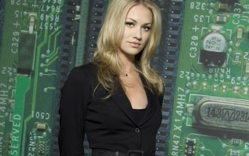 Celebrity - Yvonne Strahovski Wallpapers and Backgrounds ID : 169490