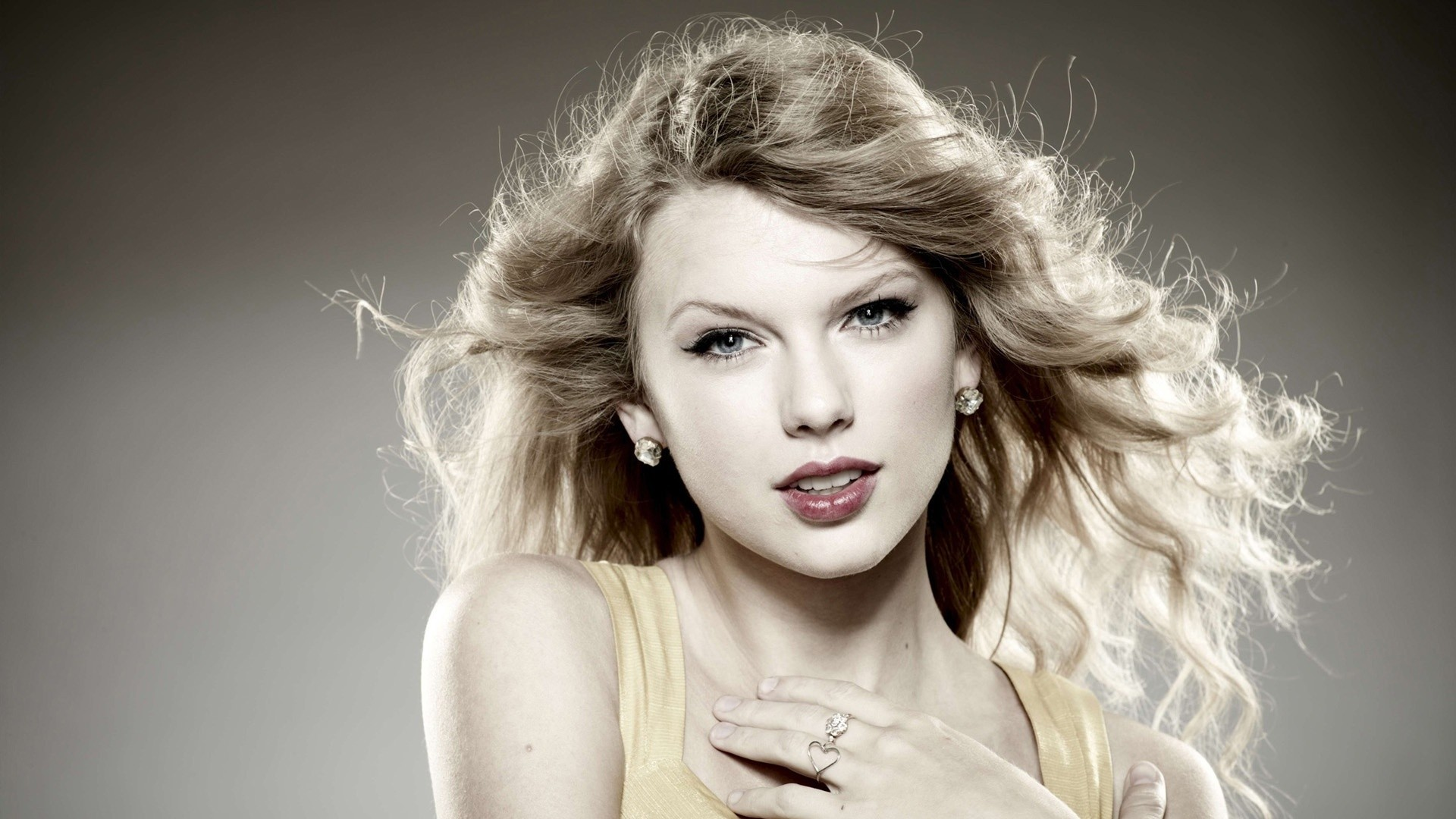 Music - Taylor Swift  - Beautiful! Wallpaper