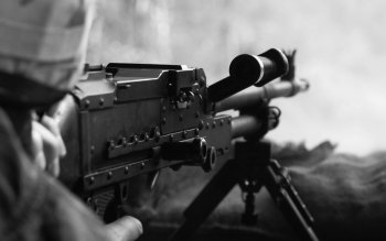 Weapons - Machine Gun Wallpapers and Backgrounds ID : 176310