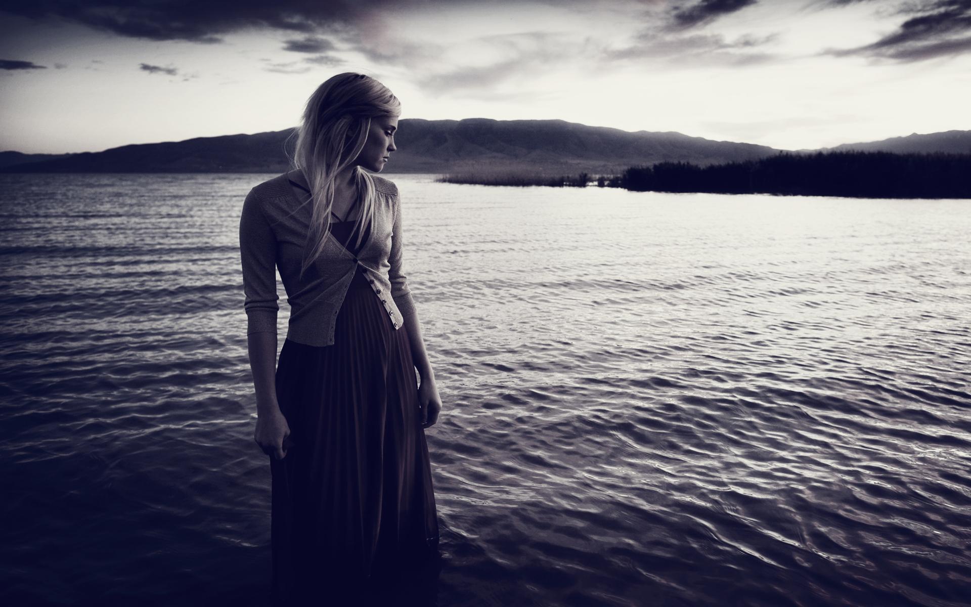 Зимние фото, картинки уходящая женщина грустные