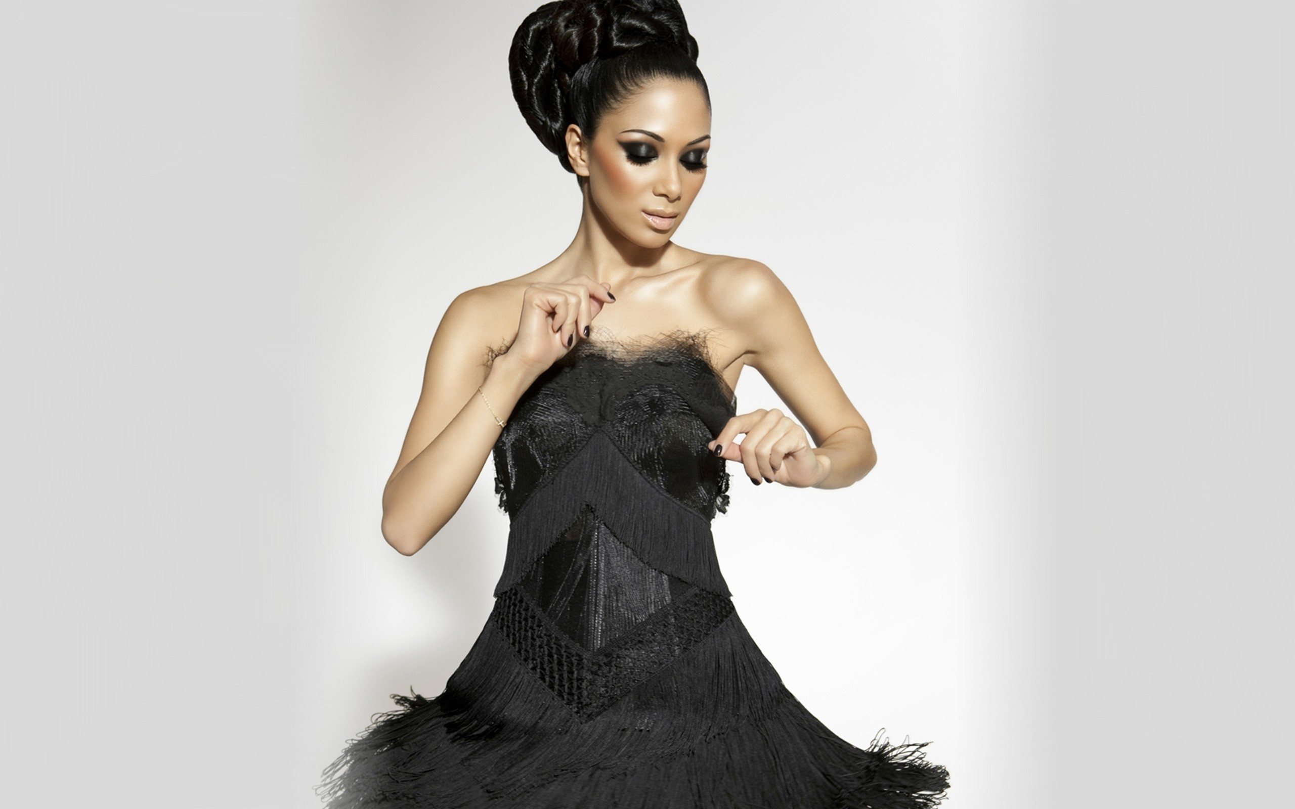 Music - Nicole Scherzinger  Wallpaper
