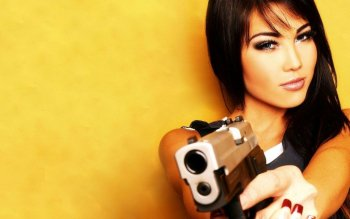 Women - Women & Guns Wallpapers and Backgrounds ID : 200302