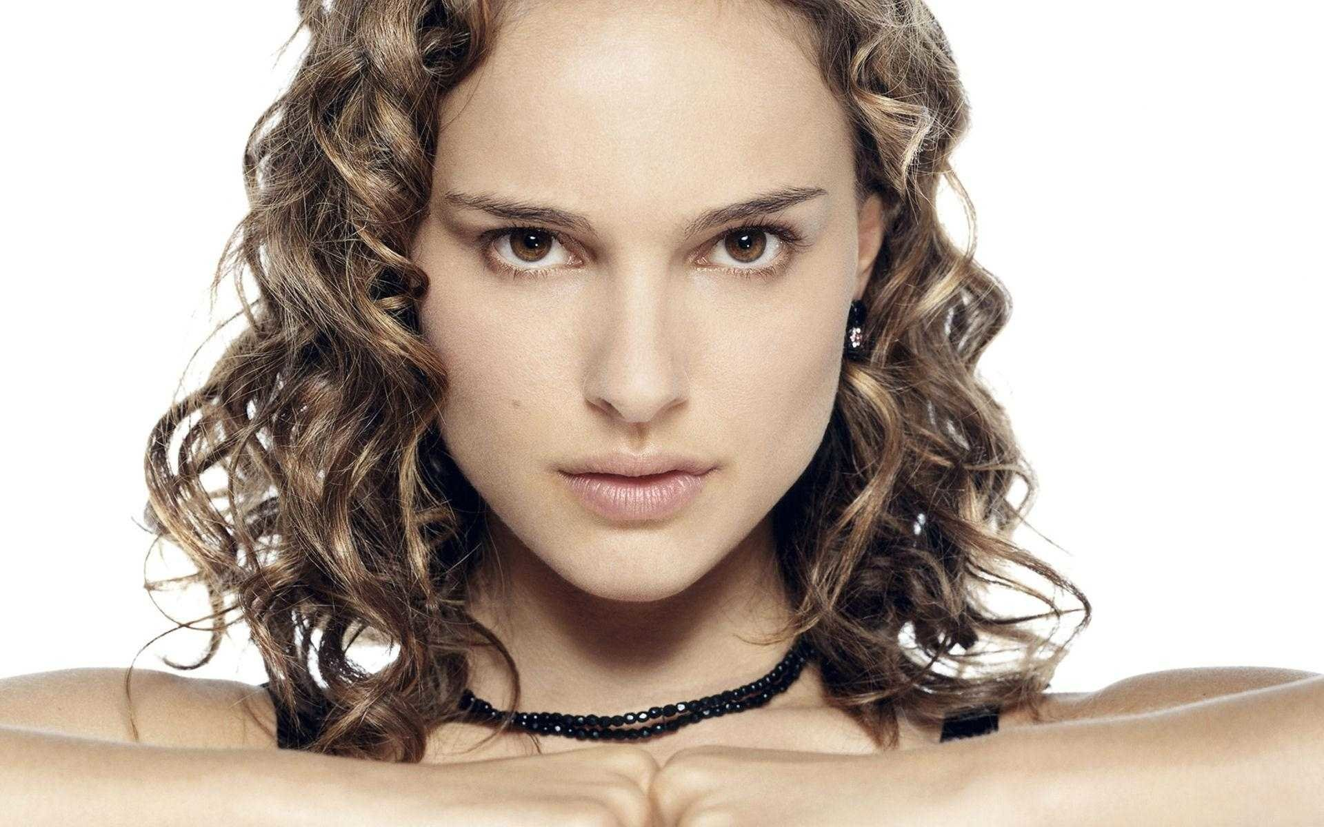Celebrity - Natalie Portman  Wallpaper