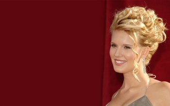 Celebrity - Maggie Grace Wallpapers and Backgrounds ID : 215160