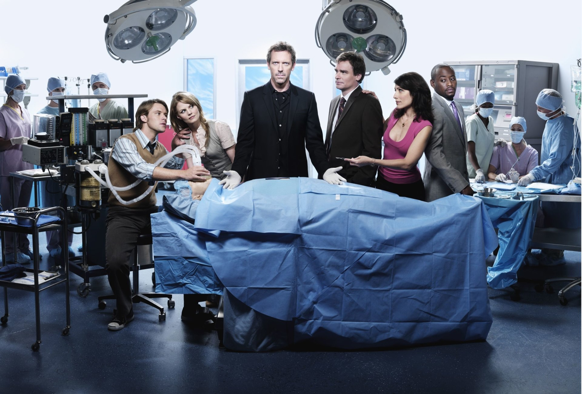 TV Show - House  Hugh Laurie Gregory House Lisa Edelstein Lisa Cuddy Omar Epps Eric Foreman Robert Sean Leonard James Wilson Jesse Spencer Robert Chase Jennifer Morrison Allison Cameron Wallpaper
