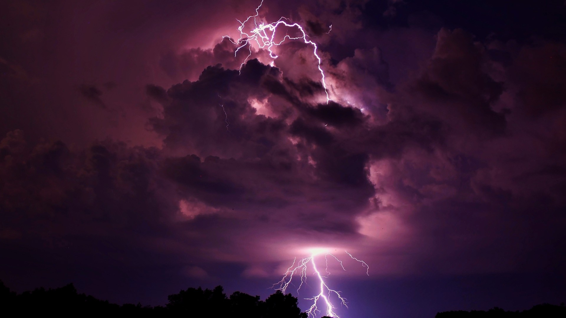 Lightning Storm Clouds wallpaper.
