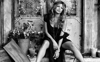 Celebrity - Eva Mendes Wallpapers and Backgrounds ID : 32252