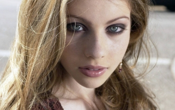 Celebrity - Michelle Trachtenberg Wallpapers and Backgrounds ID : 33372