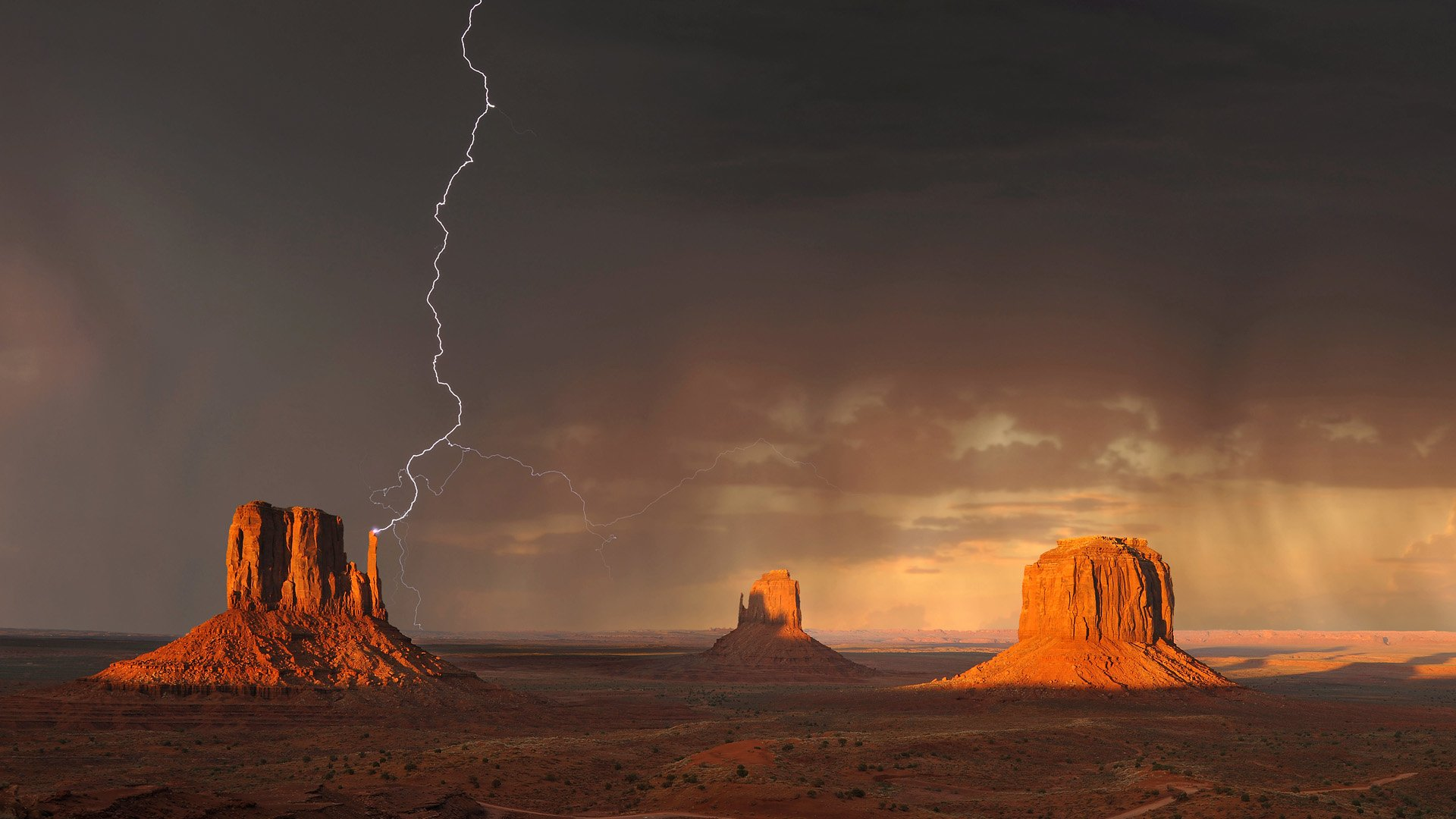 Photography - Lightning  Monument Valley Desert Wallpaper