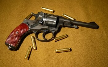 Weapons - Nagant M1895 Revolver Wallpapers and Backgrounds ID : 440998