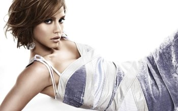 Celebrity - Jessica Alba Wallpapers and Backgrounds ID : 441109