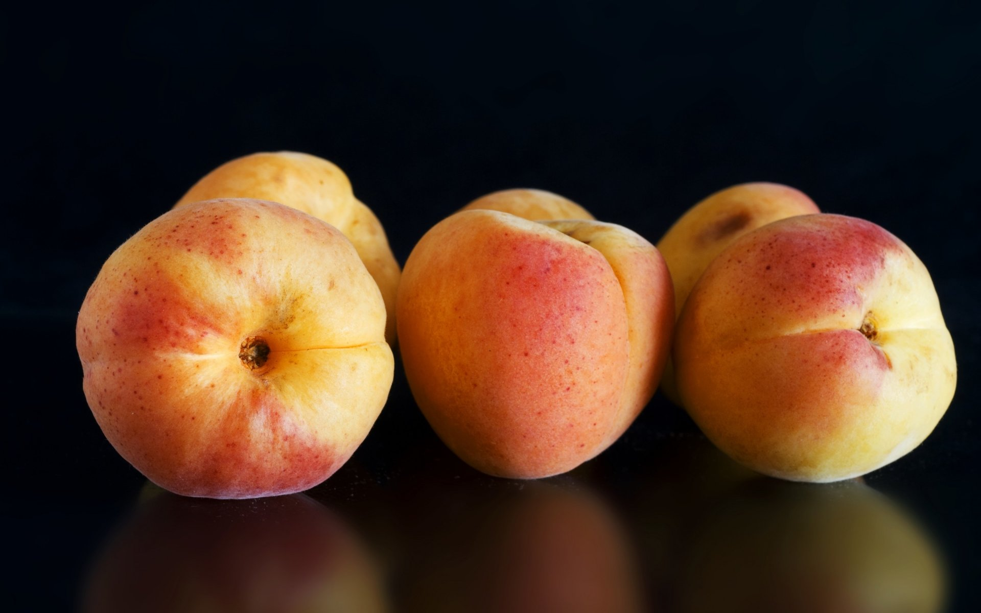 Food - Peach  Wallpaper