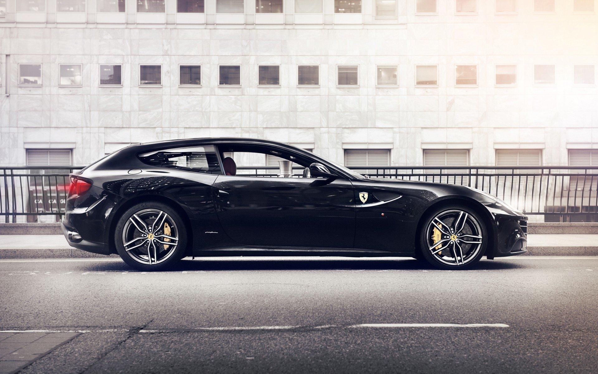 30 Ferrari FF HD Wallpapers