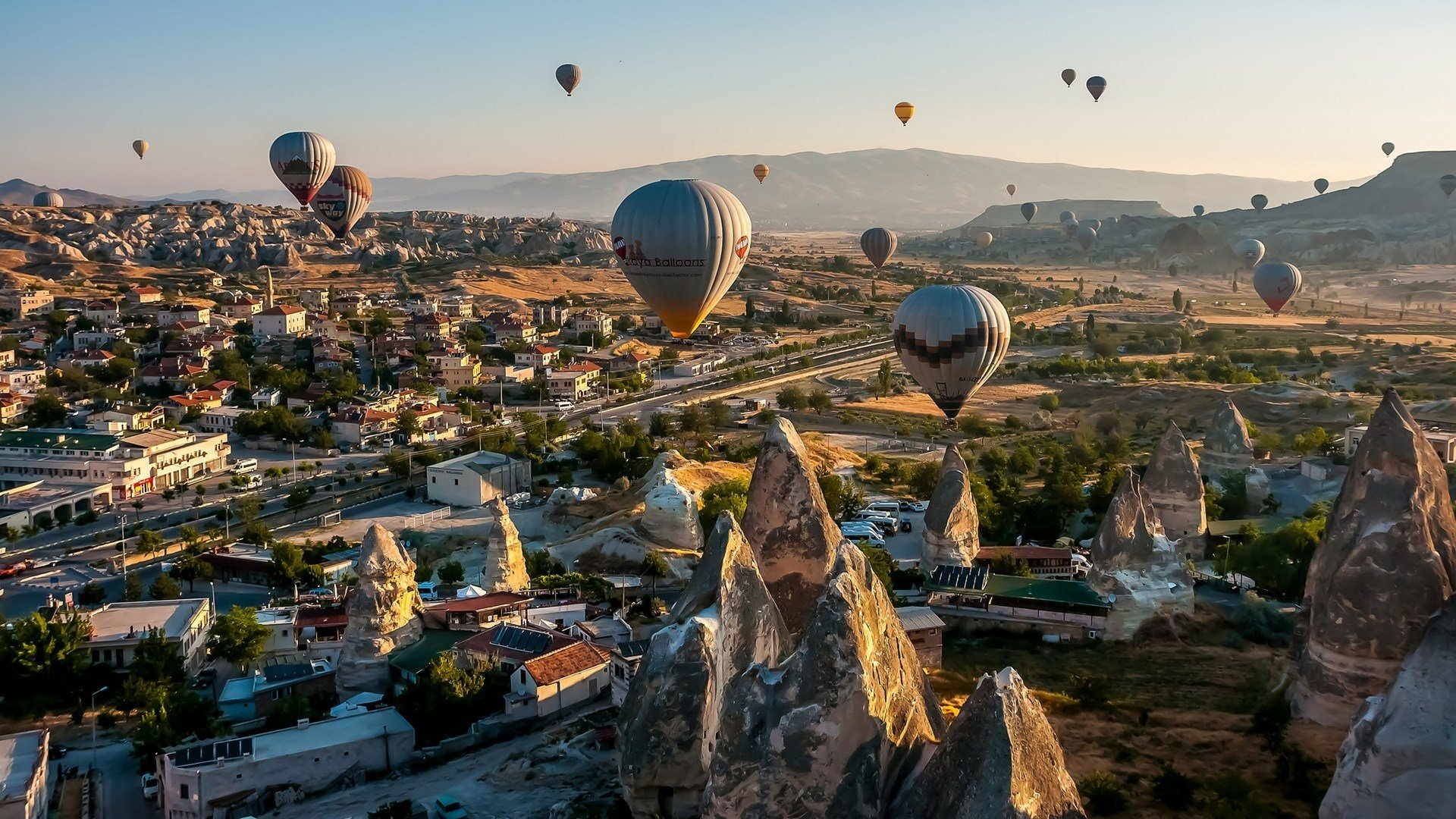 Travel Wallpapers Hd 1366x768: Ballon Full HD Wallpaper And Background Image