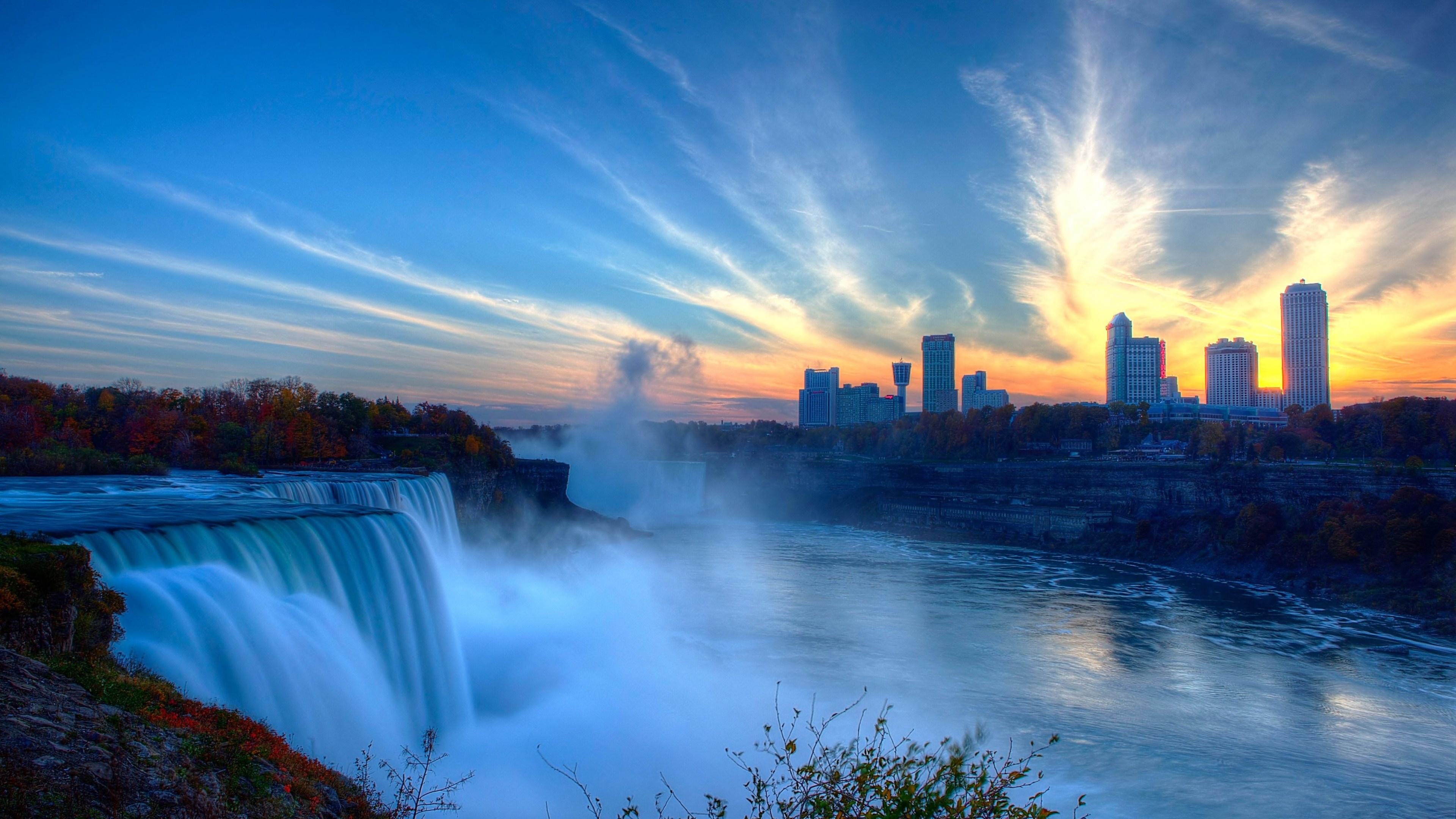 Niagara Falls Winter W...