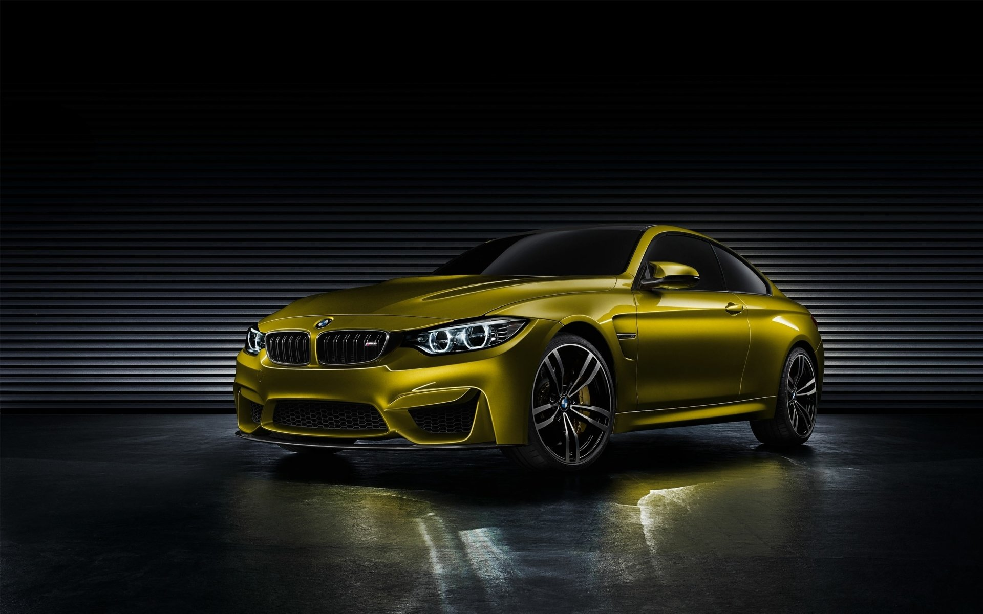 Vehicles - BMW M4  BMW Vehicle Wallpaper