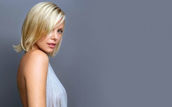 Celebrity - Charlize Theron Wallpapers and Backgrounds ID : 477552