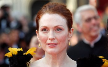 Celebrity - Julianne Moore Wallpapers and Backgrounds ID : 489052