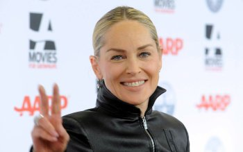 Celebrity - Sharon Stone Wallpapers and Backgrounds ID : 490460