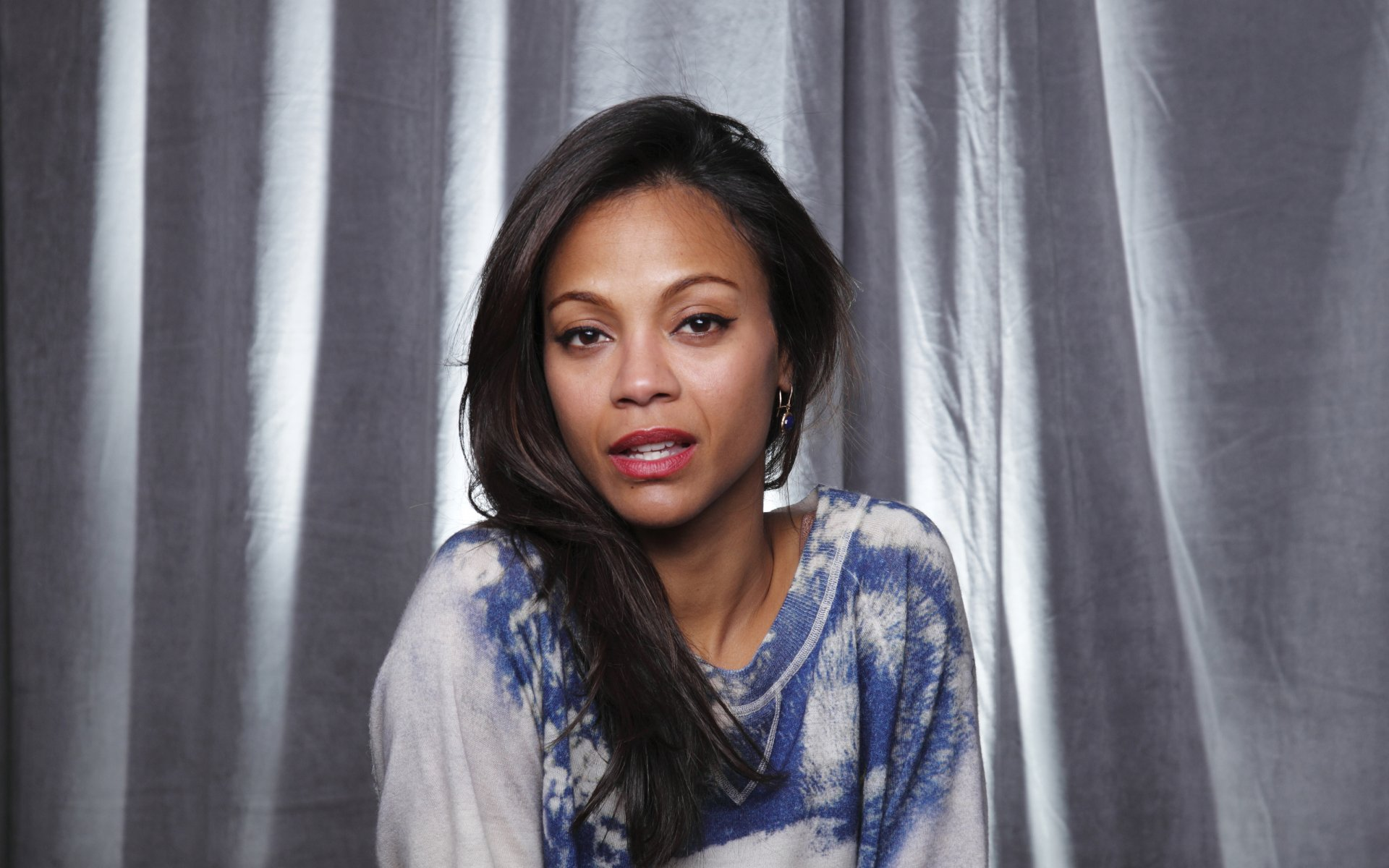Celebrity - Zoe Saldana  Actress American Wallpaper
