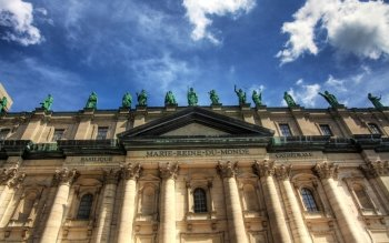 10 BasiliqueCathedrale MarieReine du Monde in M...