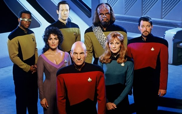 Video Game Star Trek: The Next Generation - Future's Past Star Trek Star Trek: The Next Generation Jean-Luc Picard Worf Deanna Troi Beverly Crusher Data Geordi La Forge William T. Riker HD Wallpaper | Background Image