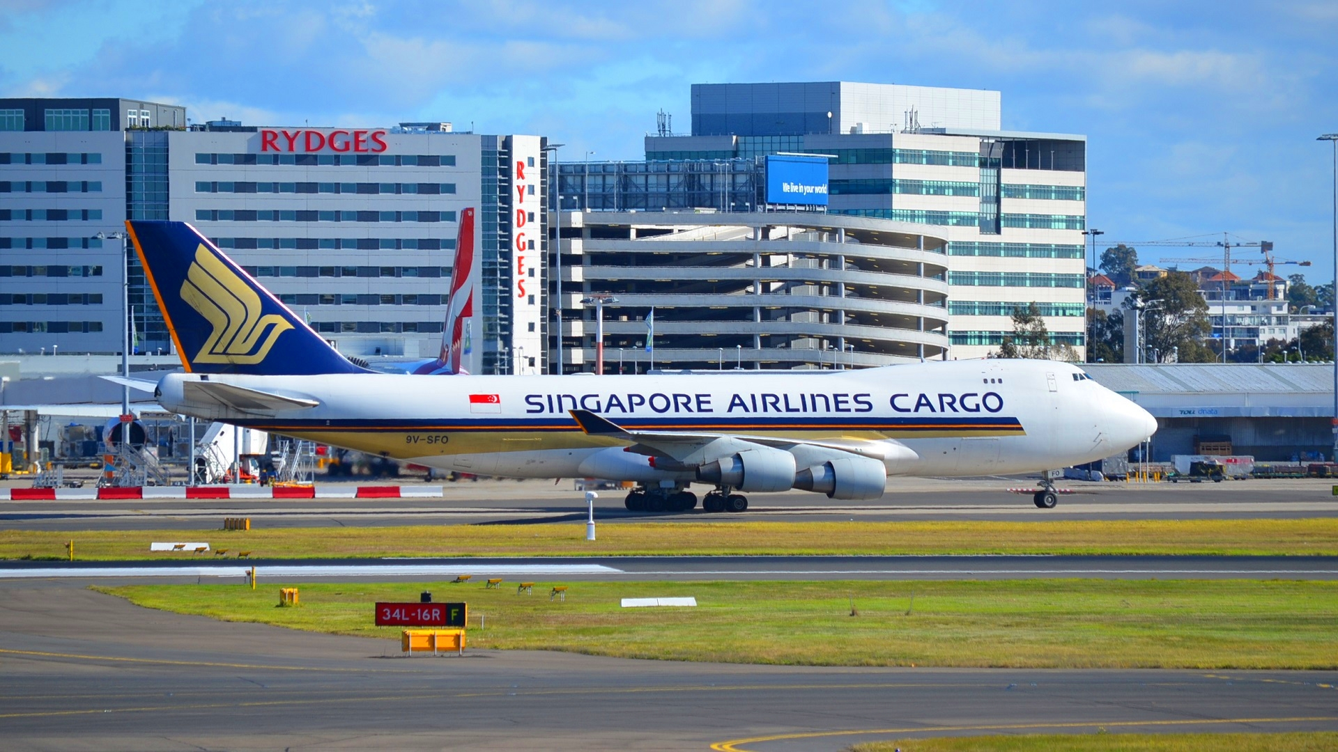9V-SFO Boeing 747-412F/SCD Singapore Airlines Cargo At