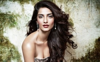 Celebrity - Sonam Kapoor Wallpapers and Backgrounds ID : 533785