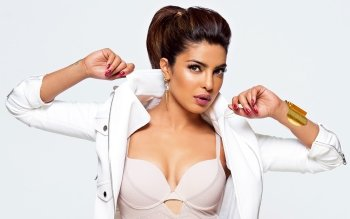 Celebrity - Priyanka Chopra Wallpapers and Backgrounds ID : 533805