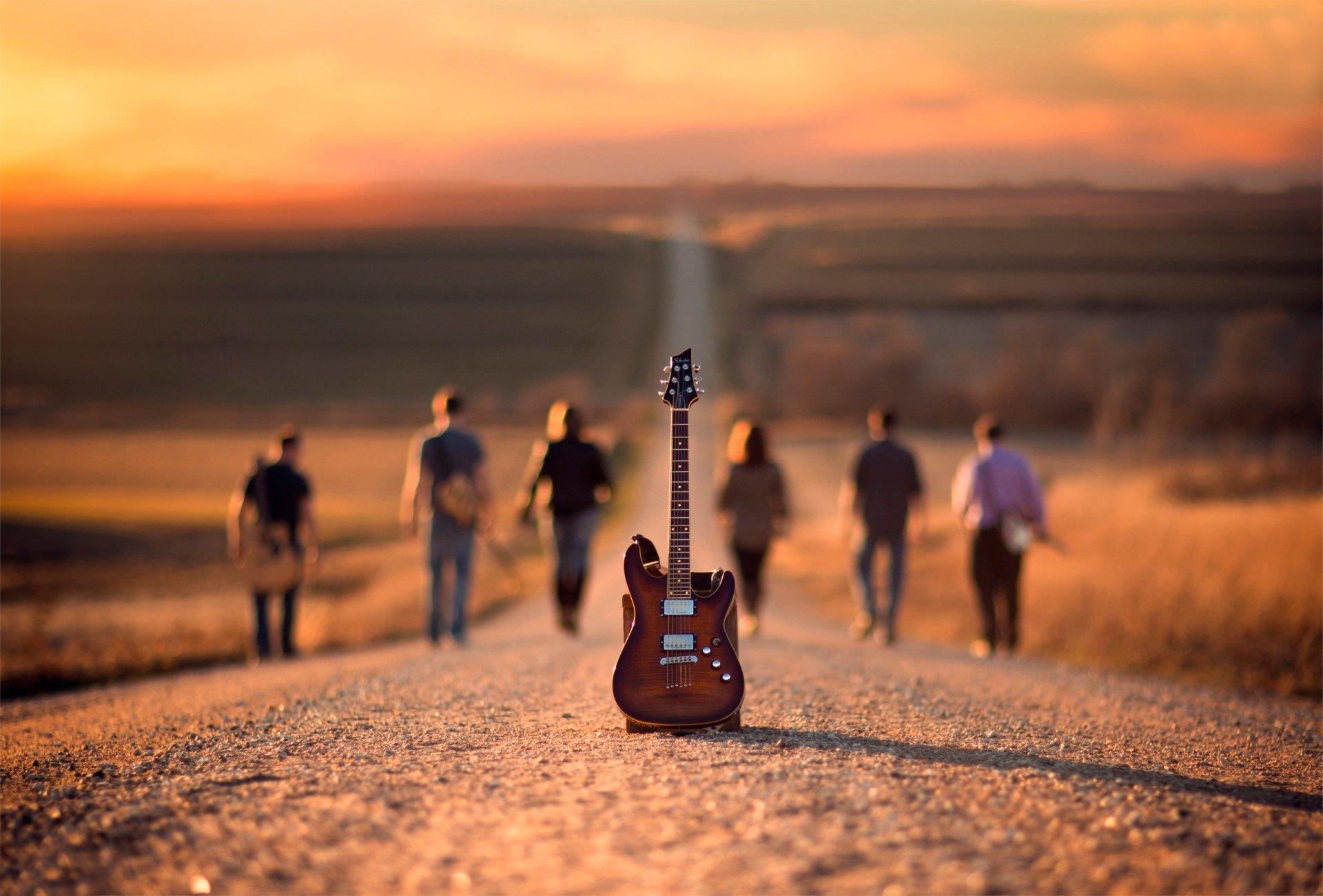 Music - Guitar  Road Music People Wallpaper