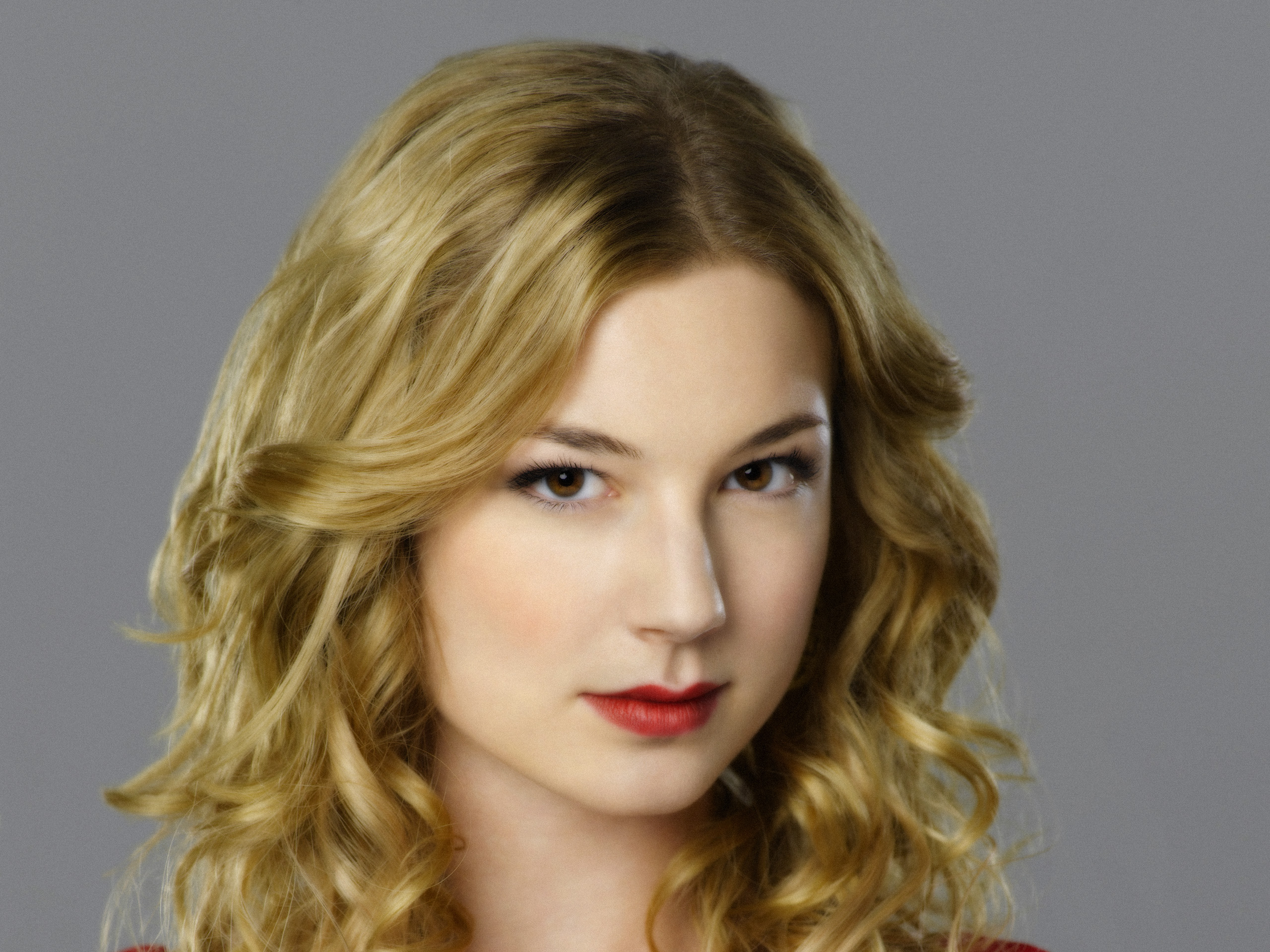 Emily VanCamp Full HD Wallpaper And Background