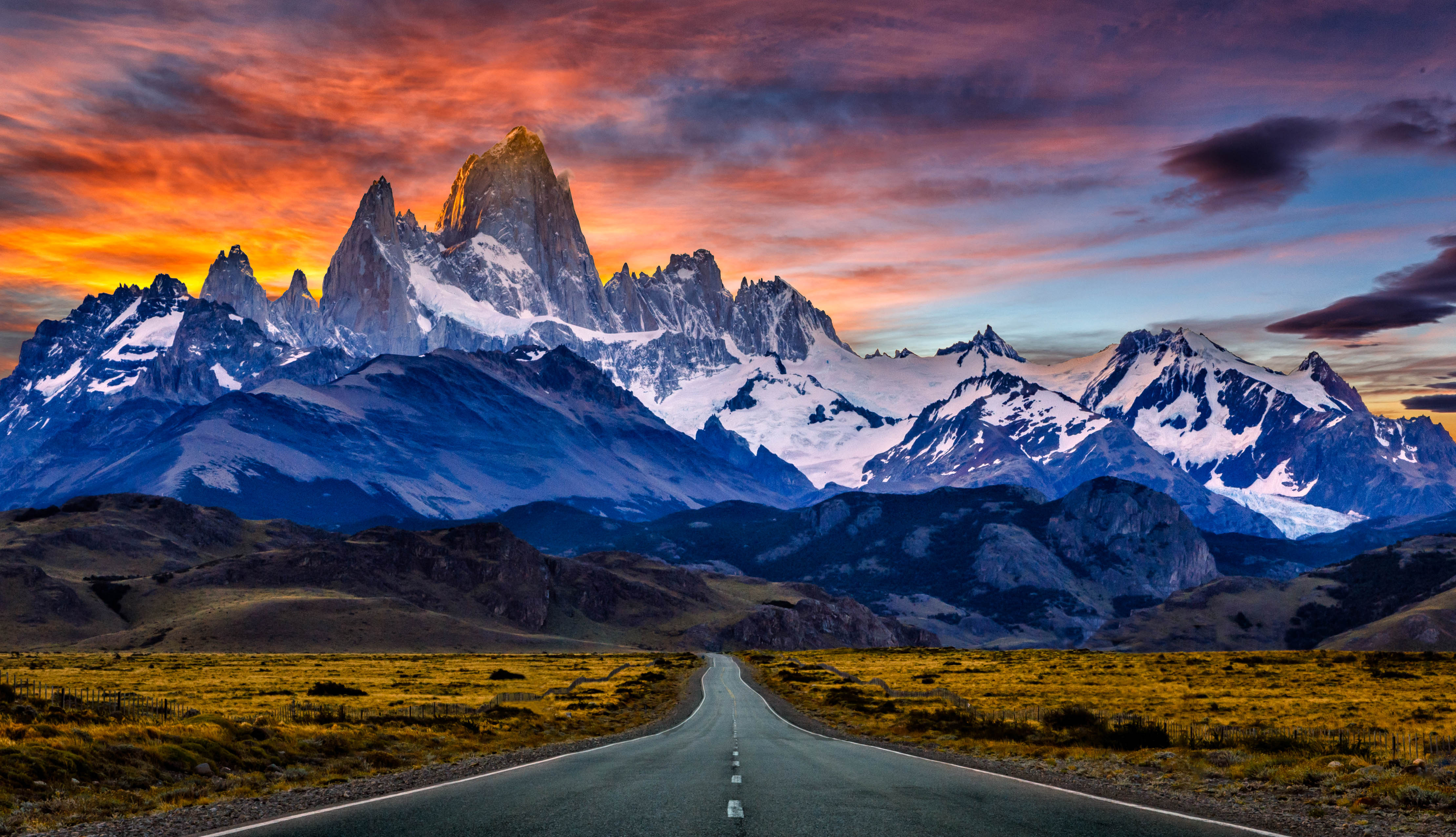 Towards Mount Fitz Roy In The Sunset 4k Ultra Hd Wallpaper And Background 4440x2554 Id 589407