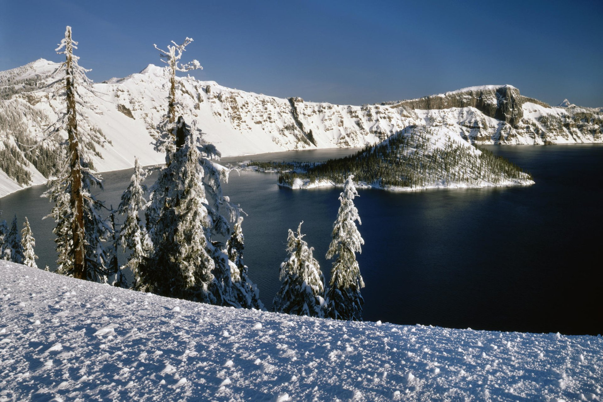 Earth - Crater Lake  Landscape Crater Lake National Park Oregon Wallpaper