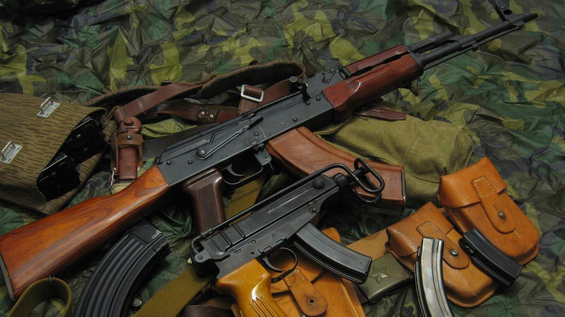 63 AK 47 HD Wallpapers