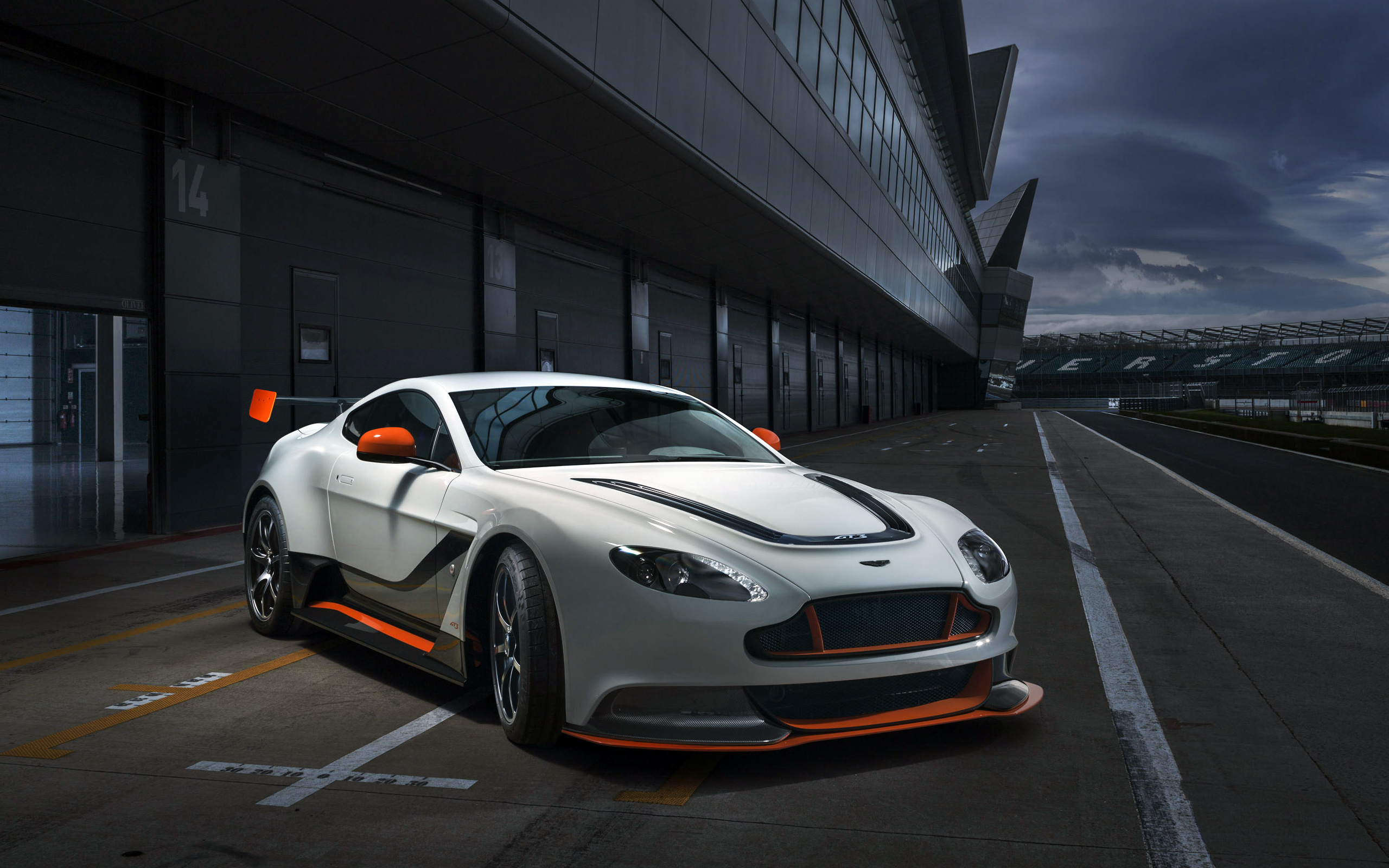 aston martin vantage gt3 full hd wallpaper and background image