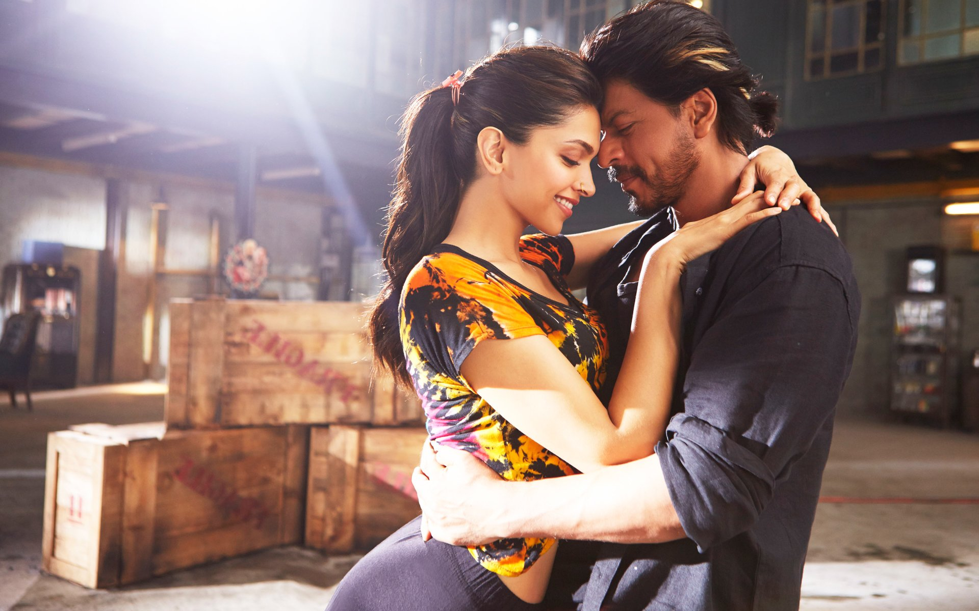 Movie - Happy New Year  Shah Rukh Khan Deepika Padukone Wallpaper