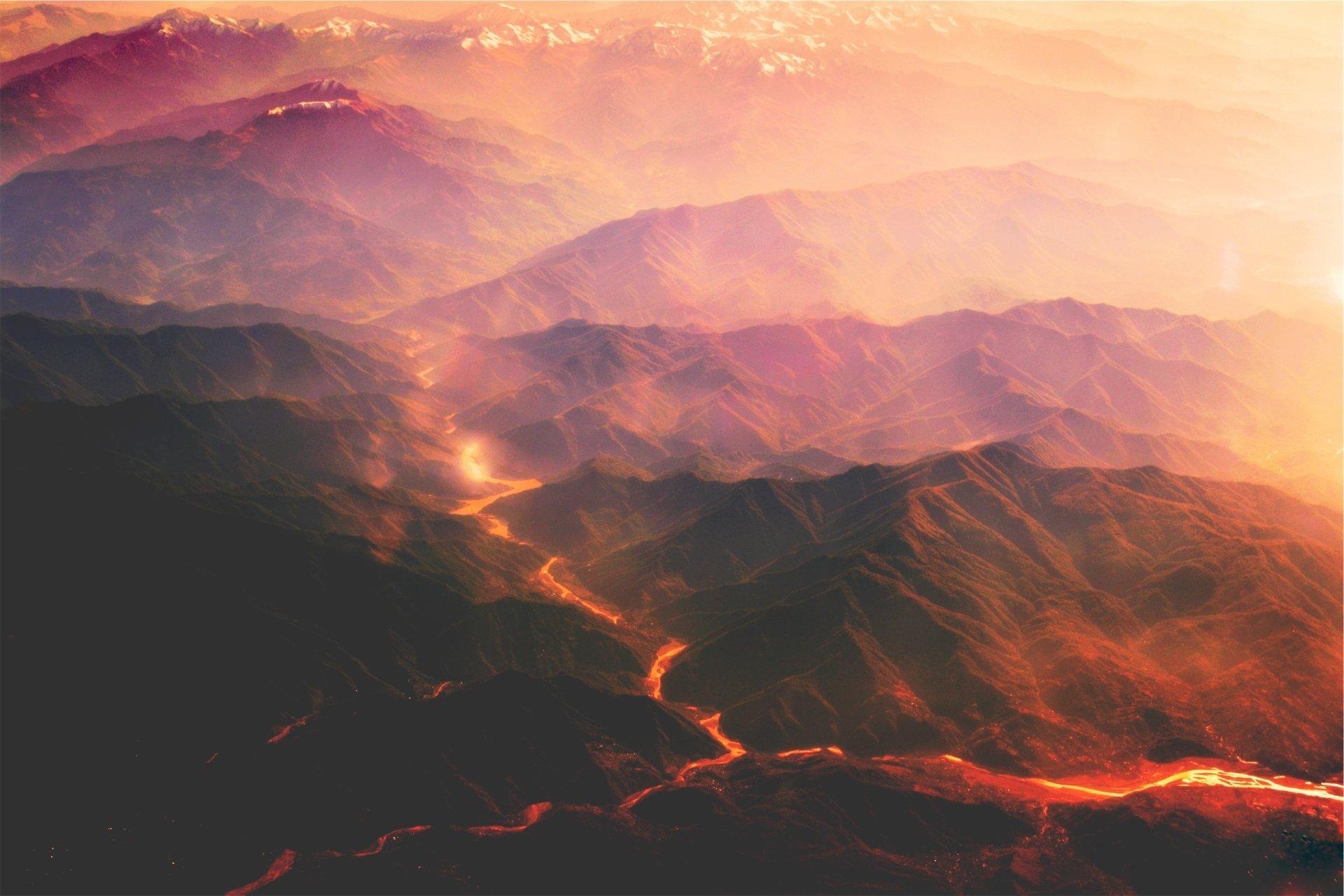 Fondos De Pantalla De Lava: Molten Lava Makes A River Through The Mountains Full HD