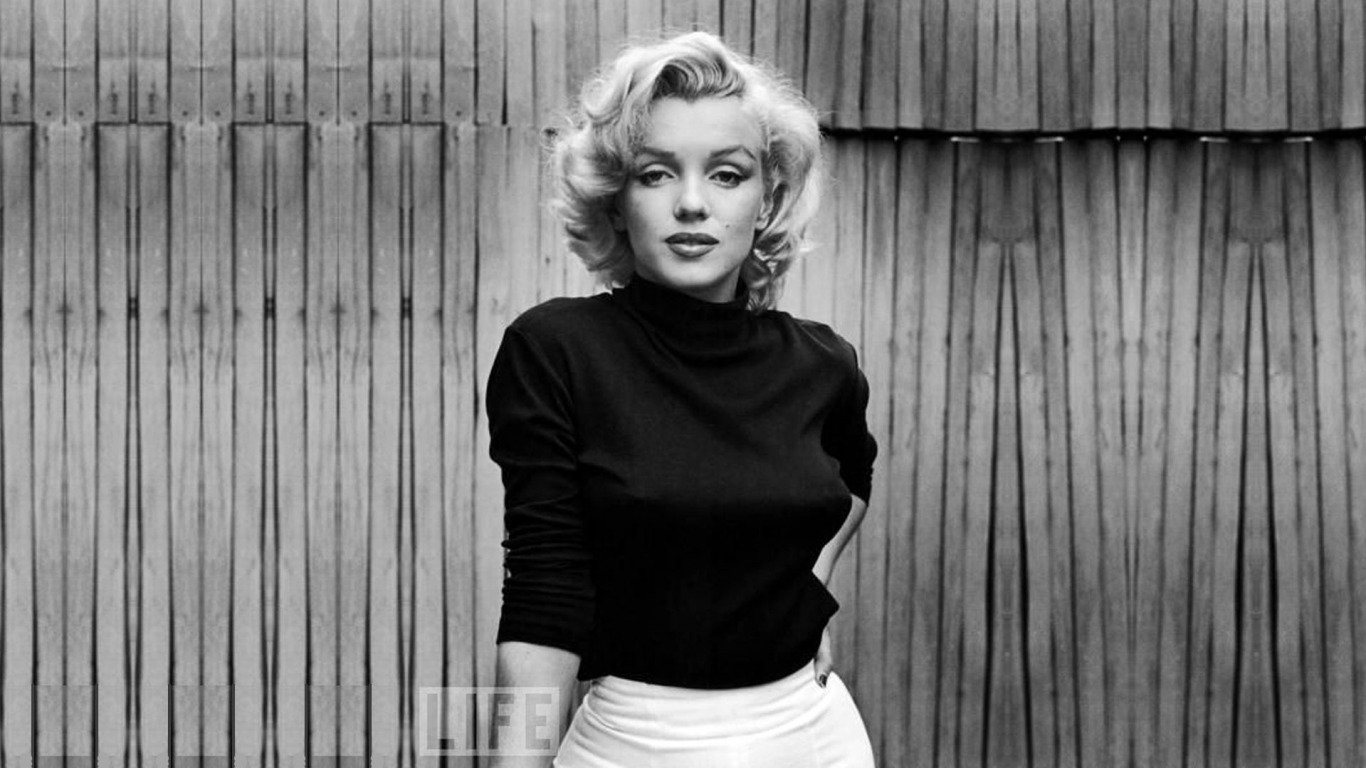 122 marilyn monroe hd wallpapers background images wallpaper abyss marilyn monroe hd wallpaper background image id674039 voltagebd Choice Image